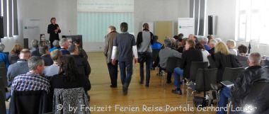 Seminarhotel Bayern Tagungsraum mit Seminarteilnehmer