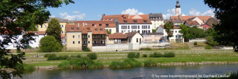 bayerischer-wald-ferienwohnungen-ausflugsziele-cham-stadtansicht