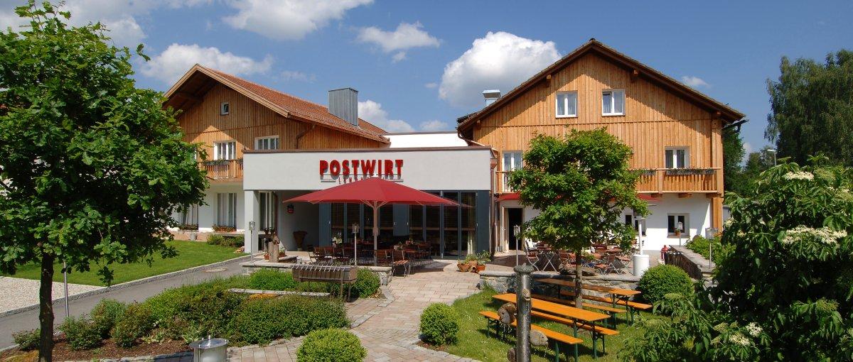 You are currently viewing Postwirt Wellnesshotel Grafenau Landgasthof mit Biergarten