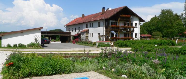eibl-kirchberg-bayerischer-wald-ruhige-ferienwohnung-alleinlage