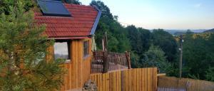 Eselwandern mit Übernachtung – kuschelige Hütte für 2 Personen