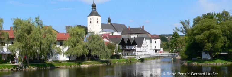 ferienwohnungen-landkreis-regen-stadtansicht-niederbayern-unterkunft