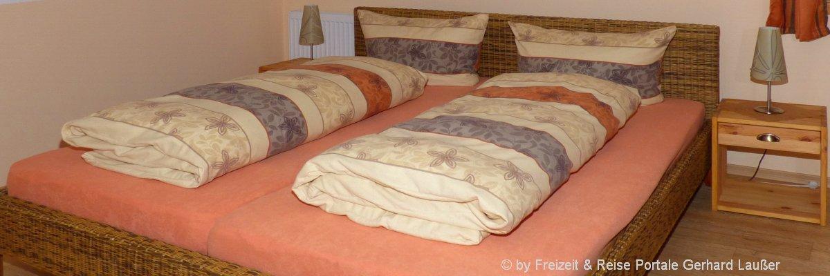 ferienwohnungen-niederbayern-ferienhaus-schlafzimmer