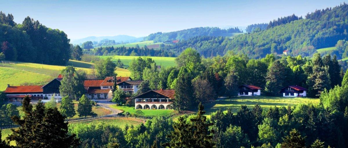 Gut Feuerschwendt – Reiterhotel & Hundehotel Bayerischer Wald