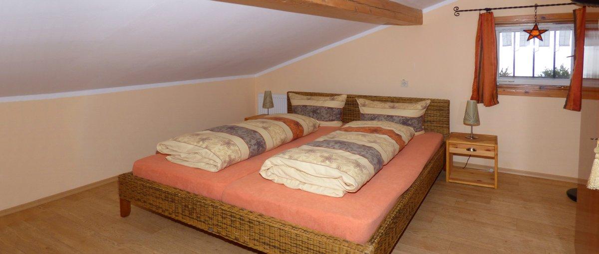 Uriges Ferienhaus in Alleinlage in der Oberpfalz Gruppenunterkunft für Familien und Gruppen