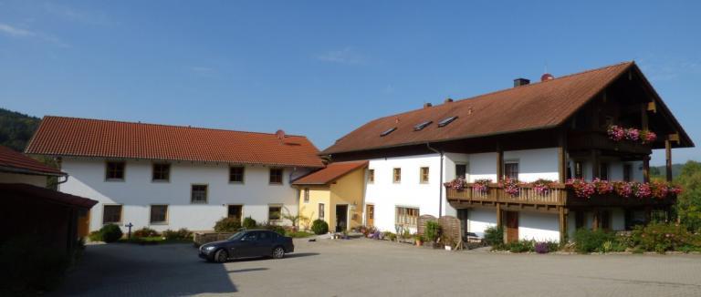 gillingerhof-chamerau-ferienwohnungen-rollstuhlgerecht-bauernhof-barrierefrei-1200
