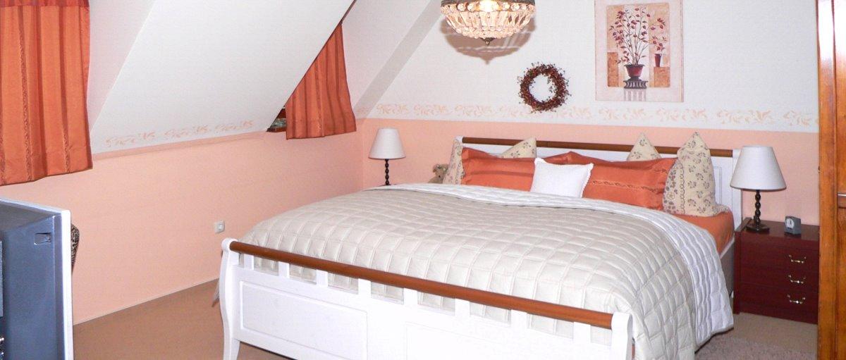 grohmann-goldsteig-ferienwohnung-falkenstein-zimmer-uebernachtung