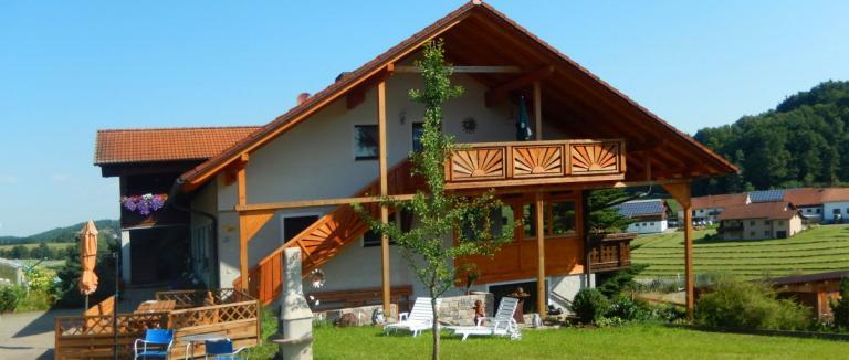 haaghof-unterkunft-zell-bauernhofurlaub-oberpfalz-ferienhaus