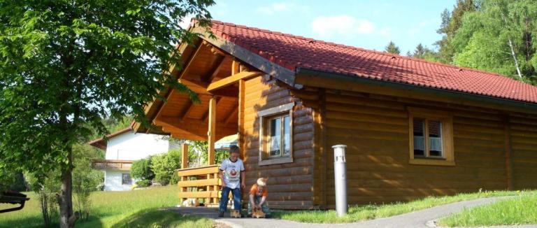 hedwig-ferienhütten-oberpfalz-blockhaus-stamsried-ferienhpark-1200