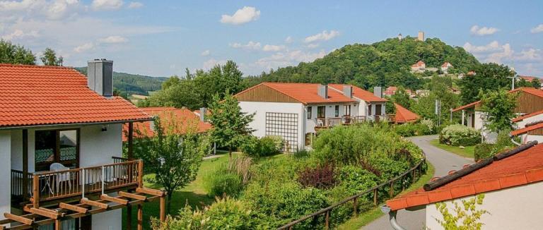 hp-feriendorf-falkenstein-ferienpark-bayerischer-wald-ferienanlage-1200