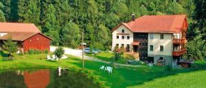 Hubmühle in Wiesenfelden Fischzucht & Wanderreiten