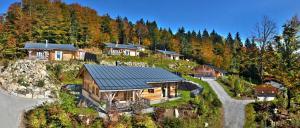 Hütten mit Sauna und Pool im Bergdorf Hüttenhof Grainet