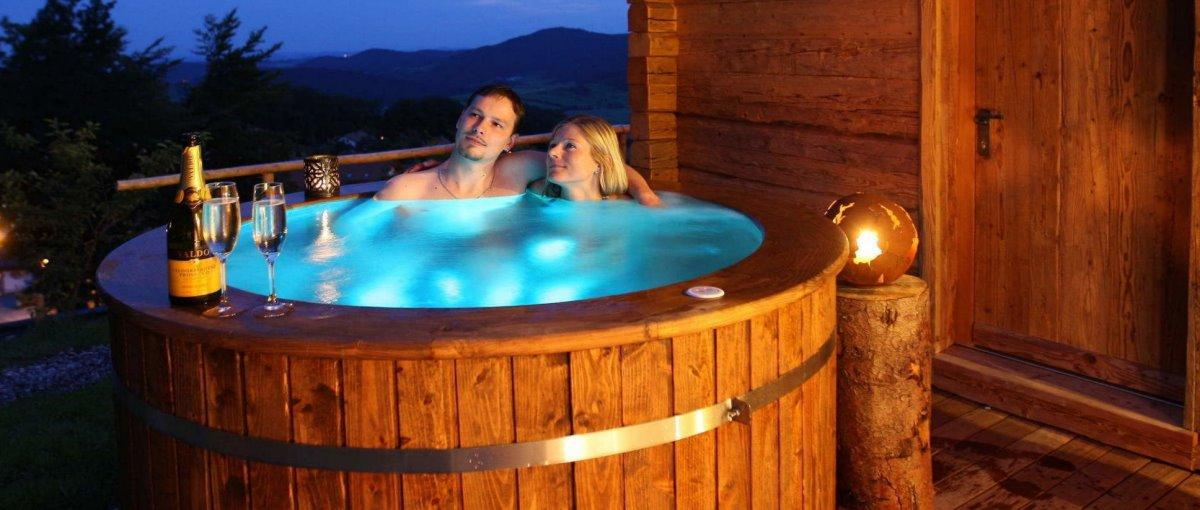 Exklusiver Hüttenurlaub in Luxus Chalets mit Sauna und Whirl-Pool im Bayerischen Wald