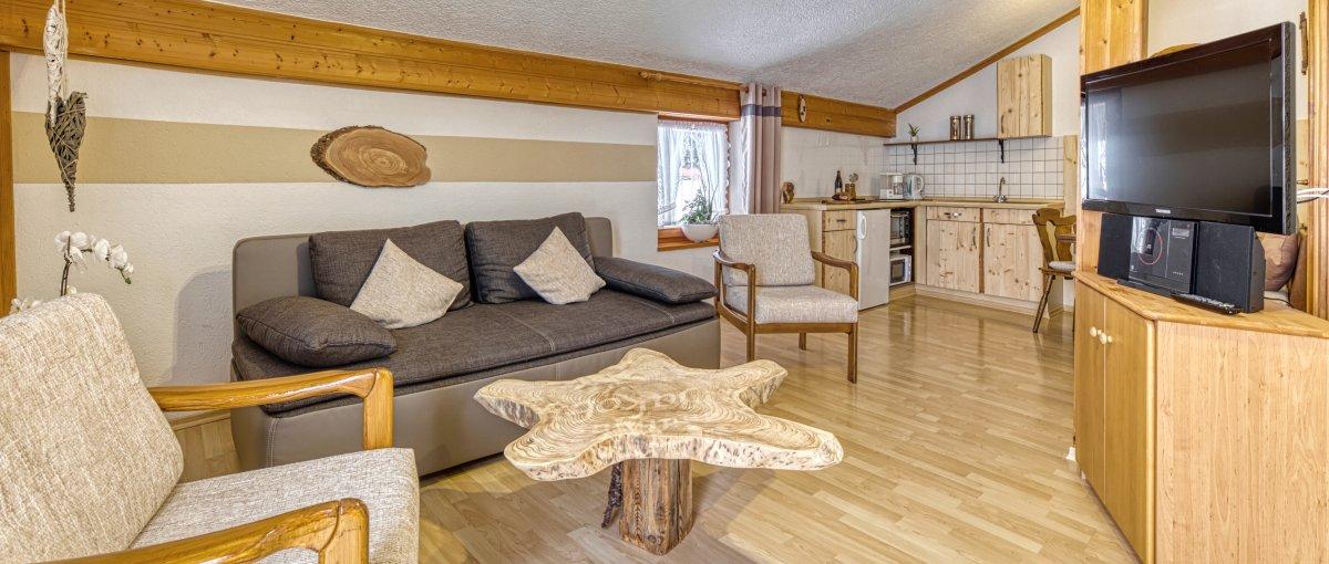Urlaub im Landhaus Jakob - Ferienwohnungen und Zimmer mit Frühstück in Niederbayern