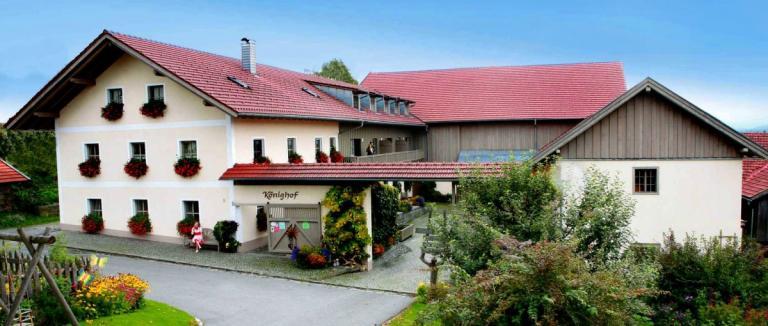 königshof-schweinhütt-bauernhof-zwiesel-regen-ferienhaus