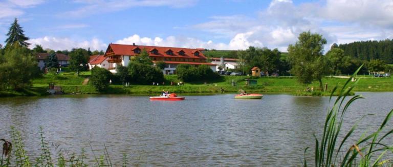kollerhof-schwandorf-reiterhof-oberpfalz-gasthof-am-see
