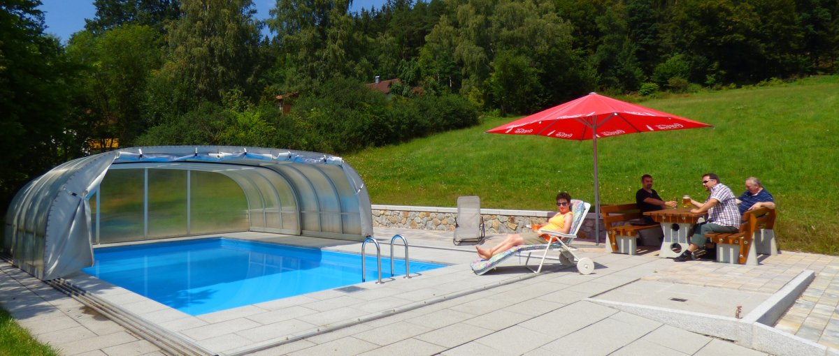 Gasthof Kraus Übernachtung in Achslach Pension zur Post mit Swimming-Pool