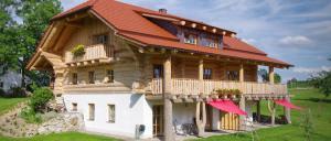 Urlaub im Naturstammhaus Luger Bayerischer Wald