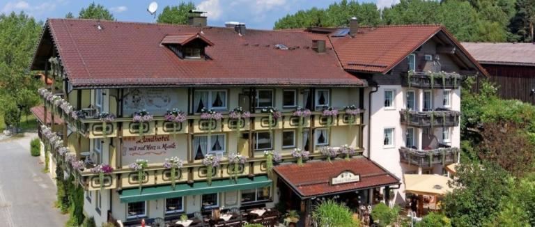 mühl-schweinhütt-singender-musikantenwirt-regen-landhotel-zwiesel