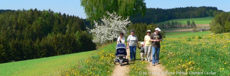 osterurlaub-bayern-familie-ostern-frühling-ferien-bäume-bluehen