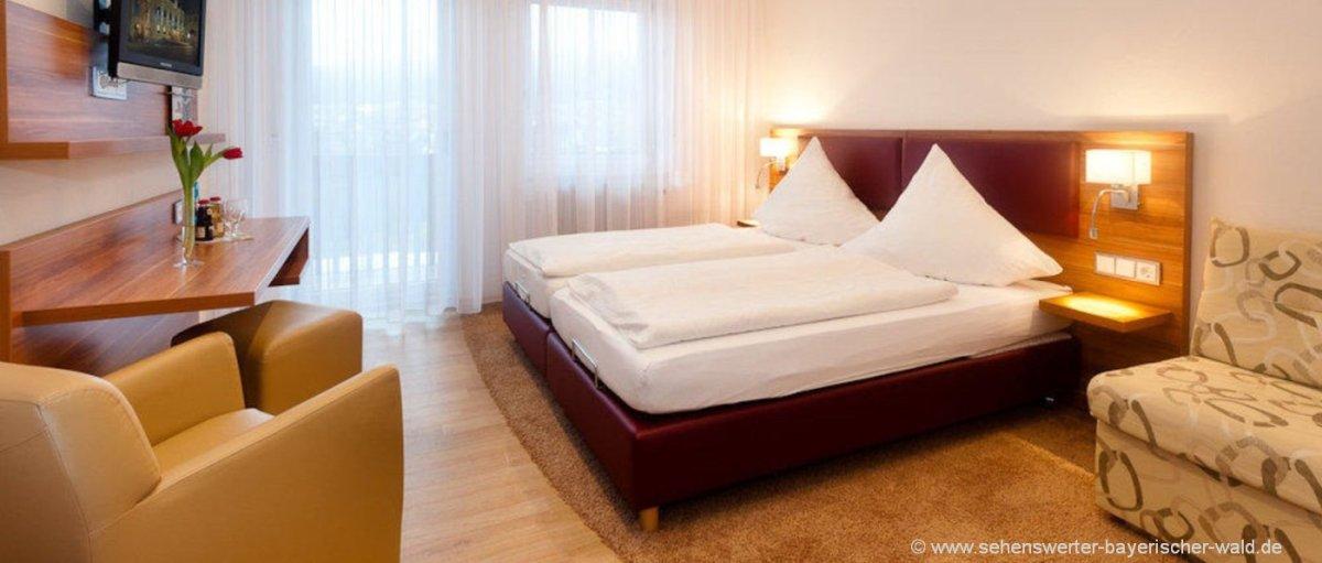 Hotel Zur Linde Gasthaus in Neukirchen b. hl. Blut Übernachtung im Bayerischen Wald Zimmer