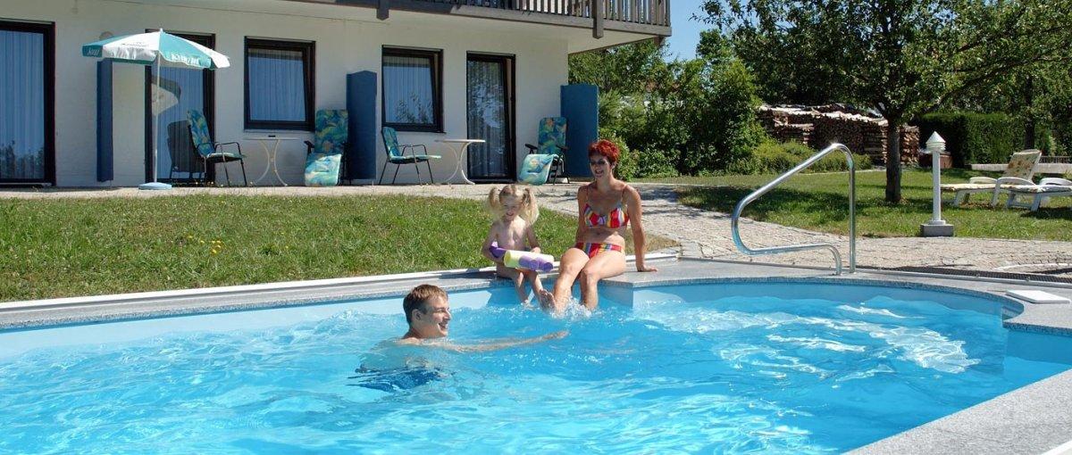Gasthof mit Swimmingpool in Neukirchen beim heiligen Blut