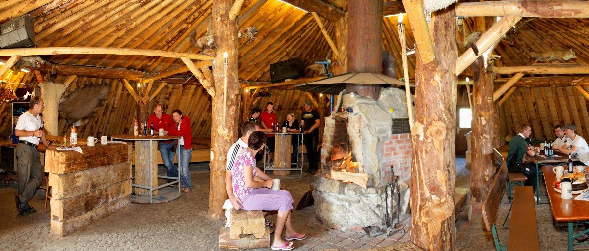 Hütte für 50 - 60 Personen Selbstversorger Berghütte 70 - 80 Personen in Bayern