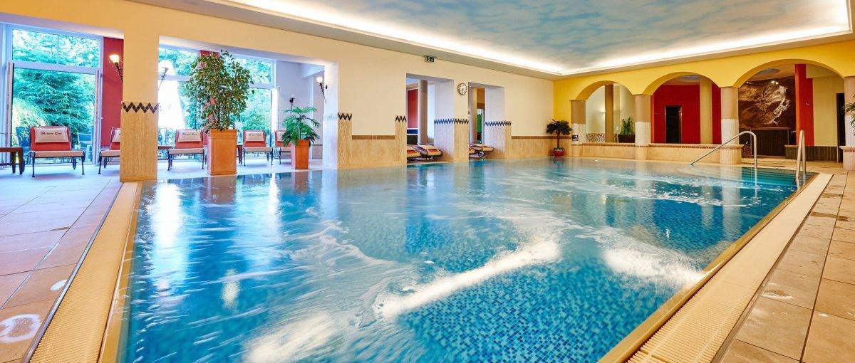 Wellnesshotel in Sankt Englmar Landkreis Straubing mit Hallenbad Schwimmbad