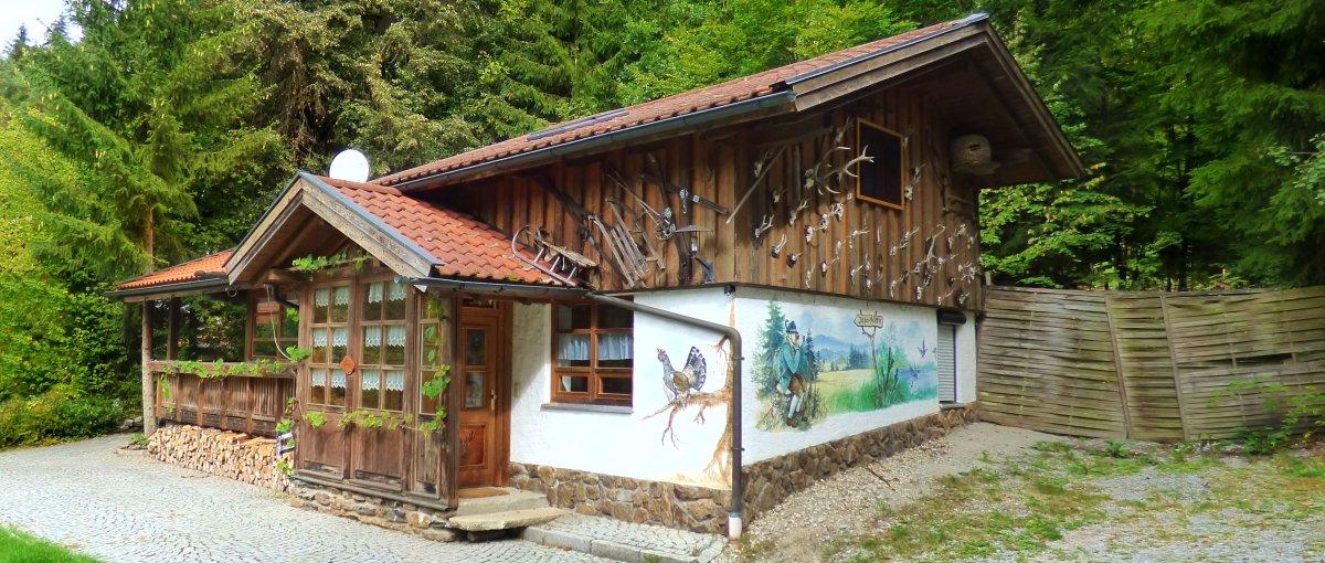 richard-gruber-vorderpiflitz-jägerhütte-bayerischer-wald-gruppenunterkunft
