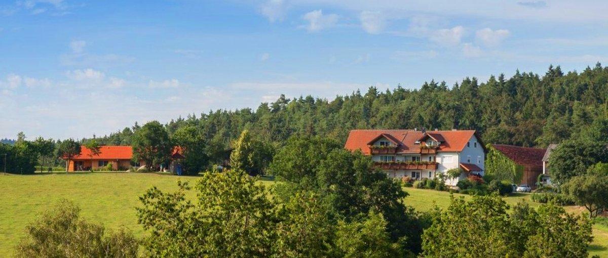 Biohof in der Oberpfalz Bauernhof in Brennberg Ferienhof Schiegl