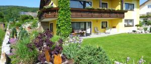 Ferienwohnung in Gleissenberg mit Garten und Terrasse