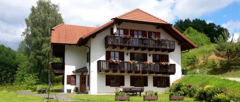 solleder-adlmühle-forellenhof-ferienwohnungen-völling-falkenstein-ferienhaus-1200