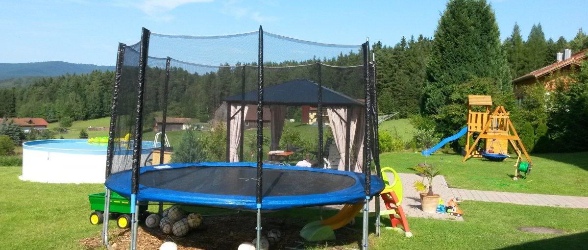 Ferienwohnung Steinbeißer in Arrach mit Kinderspielplatz Übernachtung nähe Lam und Osser Berg