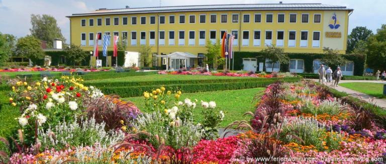 unterkunft-bad-füssing-kurort-europa-therme-blumen-kurpark