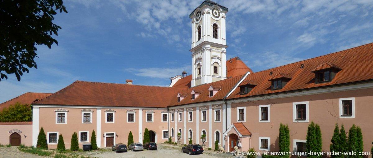 Unterkünfte in Rotthalmünster Ferienwohnung & Ferienhaus