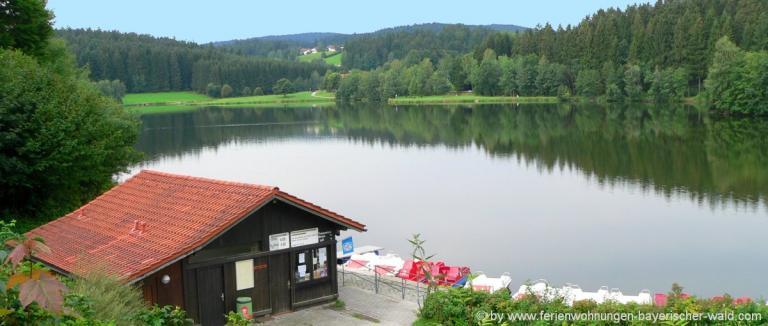 unterkunft-wegscheid-rannasee-badesee-tretboote