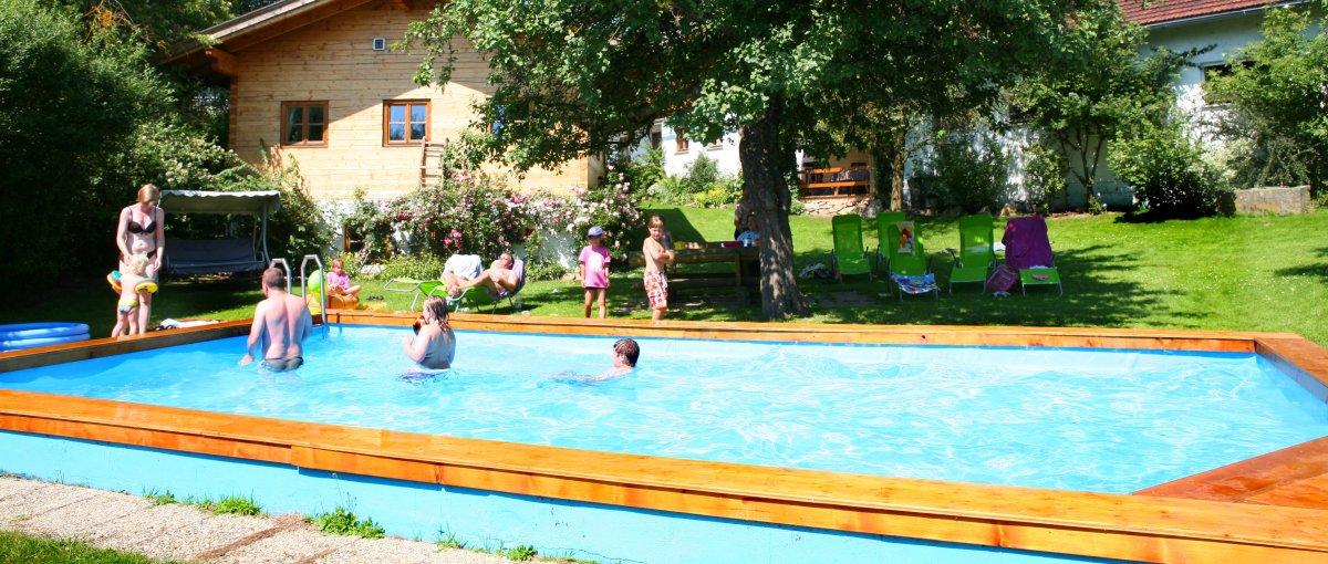 weiderer-schweinhütt-bauernhof-swimming-pool-landkreis-regen