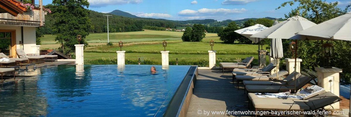 wellnesshotel-bayerischer-wald-infinity-pool-schwimmbad-bayer