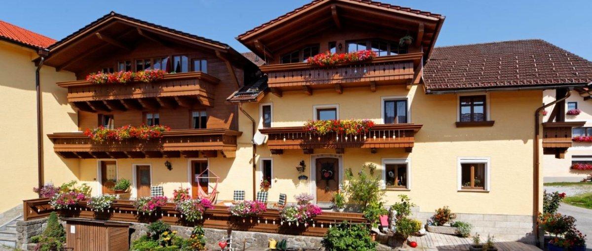 Bauernhof in Zwiesel – Reiterhof mit Wellness in Bayern