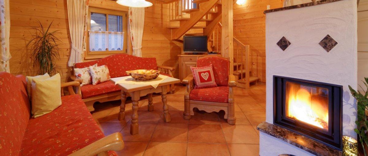 Luxus Ferienhütten mit Kaminofen und Wellness Reiterferien im Bayerischen Wald